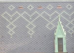 Узор «Spitzwinkel» на крыше Коллегиум Новум, главного здания Ягеллонского университета